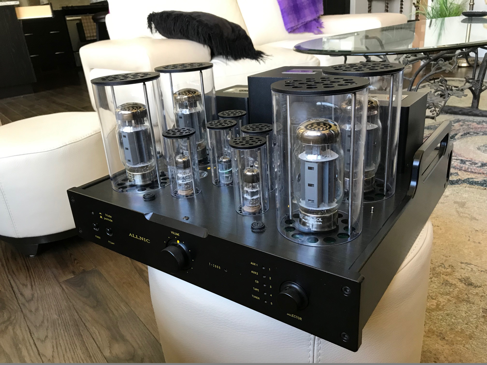 ALLNIC  T2000 Integrated 70 WPC Amplifier
